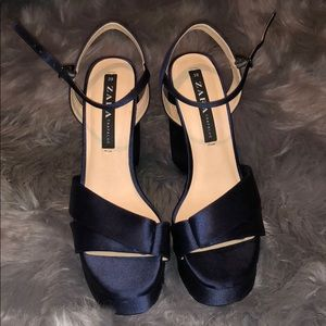 ZARA Navy Blue block heel!